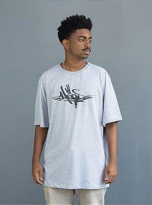 Camiseta Owl Hood Tag - Cinza Mescla