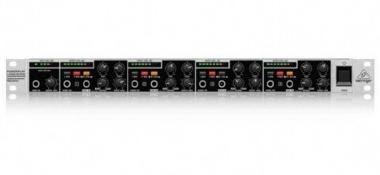 Amplificador para Fone Power Play Behringer HA4700