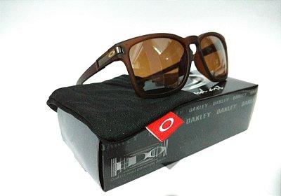 54939b258 Óculos de Sol Oakley Latch Squared Marrom Quadrado Fosco Masculino e  Feminino