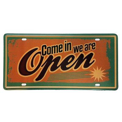 Placa de Metal Decorativa Come in we are Open - 30,5 x 15,5 cm