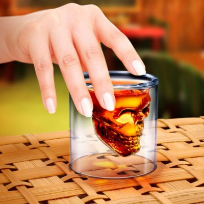 Copo para Whisky Caveira Doomed