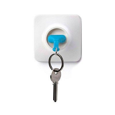 Chaveiro com Porta Chaves Tomada - azul claro