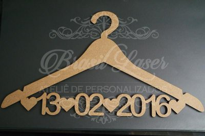 Cabide Personalizado com a Data do Casamento ou do Aniversário - CAV 01005A