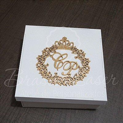 1 Monograma / Brasão Personalizado para Caixinhas ou Convites (Pintado e Sem Pintura) - #Quantidade Mínima: 10 unidades iguais# - MOB 00115A