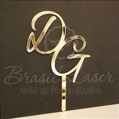 Topo de Bolo (Personalizado com Iniciais dos Noivos ou do Casal que o Cliente Desejar) - TBV 01001F