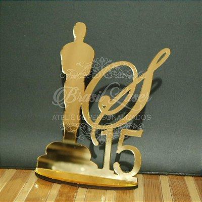 Topo de Bolo Trofeu (Personalizado com Inicial e a Idade Debutante XV 15 Anos ou Aniversariante que o Cliente Desejar) - TBV 01134A