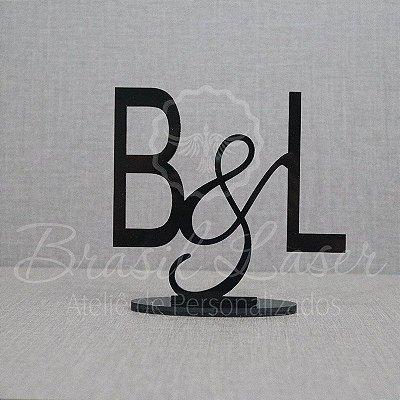 Topo de Bolo (Personalizado com Iniciais Casal ou Noivos que o Cliente Desejar) - TBV 01156A