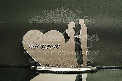 Topo de Bolo Casal Coração (Personalizado com a Data do Evento que o Cliente Desejar) - TBC 00501B