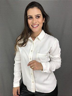 CAMISA BRANCA COM COSTURA COLORIDA