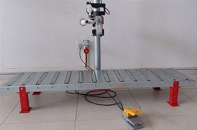 Pedestal com roletes para Maquina de costura - Suporte com pedal