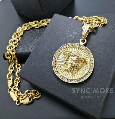 Corrente Cadeado 70cm  8mm Banhada a Ouro 18K + Pingente Medusa Cravejado