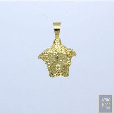 Pingente Versace 3D Banhado a Ouro 18K