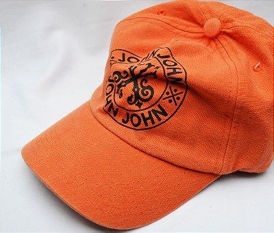 Bone John John Estampado - Laranja/Cinza