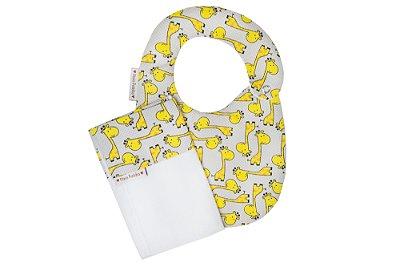 Babador e Paninho de Boca de Girafas Amarelas com Cinza