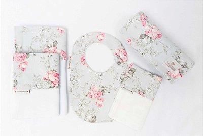 Kit Rosas com Cinza com 5 peças (babador, paninho, manta, fralda de ombro e toalha fralda)