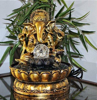 Fonte Ganesha Dourado com bola