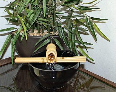 Fonte Bica Bambu Preta