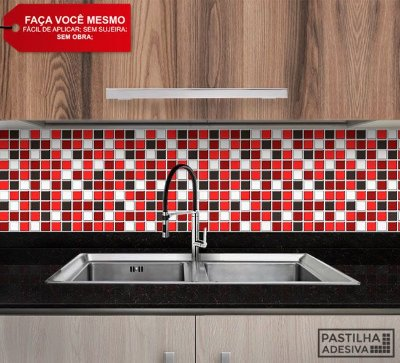Placa Pastilha Adesiva Resinada 30x27 cm - AT050 - Vermelho Preto