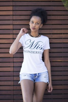 "CAMISETA T-SHIRT ""MISS WONDERFUL"" - Branca"