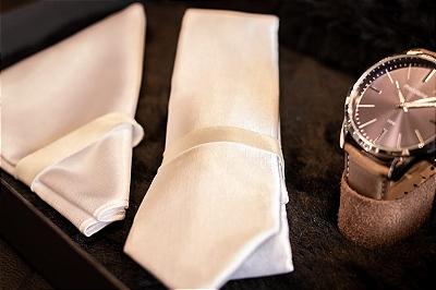 Gravatas e lenços
