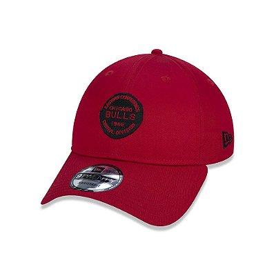 Boné New Era 920 Chicago Bulls Stamp Logo Aba curva - Vermelho