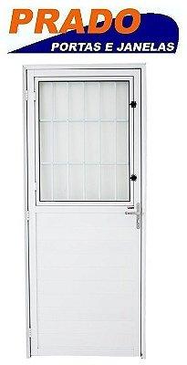 Porta De Abrir (Giro) em Alumínio Branco Lambril Social com Postigo Vidro Mini Boreal - Prado Boldie