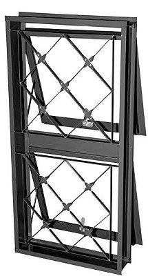 Janela Maxim-Ar em Aço duas Seções Vertical com Grade Xadrez sem Vidro - Requadro 12 cm - Linha Prata Gerotto