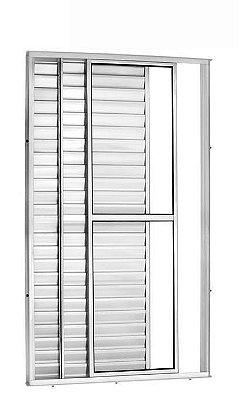 Porta Balcão em Alumínio Brilhante 3 Folhas Uma Fixa Vidro Liso e Veneziana Com Fechadura - Linha 25 Trifel