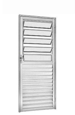 Porta de Abrir (Giro) em Alumínio Brilhante Com Basculante Vidro Canelado - Linha 25 Trifel