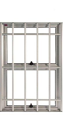 Janela Maxim-ar em Alumínio Branco Duas Seções Vertical Com Grade Vidro Mini Boreal - JAP 25