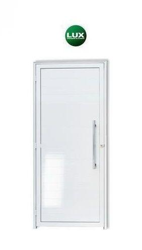 Oferta - Porta De Abrir (Giro) em Alumínio Branco Com Lambril Puxador e Olho Mágico 2,10 X 0,80 Esquerda - Linha Premium Lux Esquadrias - Última Peça
