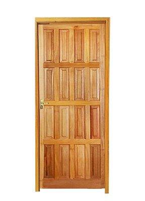 Porta de Abrir (Giro) Topázio 16 Almofadas em Madeira Maciça Mista com Fechadura e Maçaneta Dourada Externa Batente de 11 Cm - Rick Esquadrias