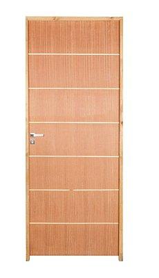 Porta de Abrir (Giro) em Madeira Semi Oca Angelim Elegance POP Riscada Batente Misto de 11 cm com Fechadura e Maçaneta Externa Raffinata - Uniportas