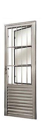 Porta de Abrir (Giro) em Alumínio Fosco Social com Postigo Vidro Canelado - Linha 25 Esap