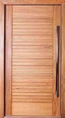 Porta de Abrir Pivotante Envernizada Suiça em Madeira Tauari com Puxador Fechadura Batente de 14 Cm - Mapaf