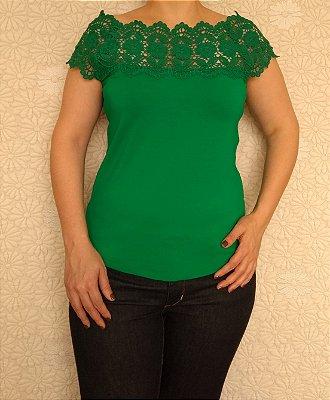 Blusa verde ombro a ombro com renda