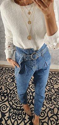 Blusa lã com detalhe em renda