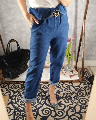 Mom jeans com pala dobravel