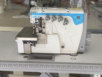 Maquina Overloque 2 Agulha Jack JK- E4S-4-82/333 BK com Arremate e Diferencial para Ajuste altura dentes - 220 vlts