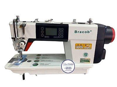 Máquina de Costura Reta Eletrônica com Pontos decorativos retos Bracob D7 - 220 V + Kit de calcadores