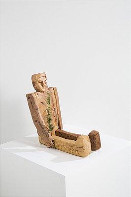 boneco de madeira benício G