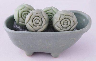 Mini banheira com sabonetes
