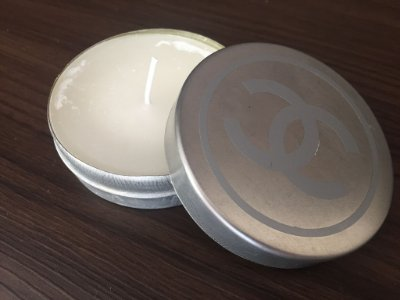 Vela lata chanel prata