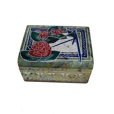 caixa baú  bordado em pedra sabão  - MG