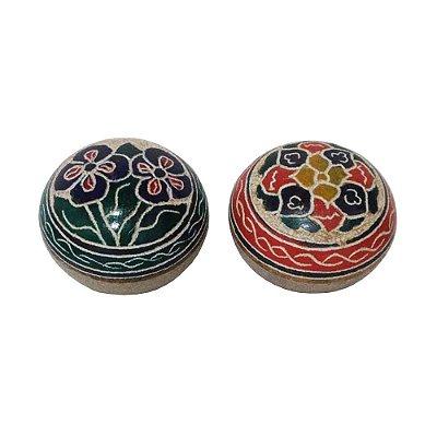 par de caixa bola bordada em pedra sabão - MG