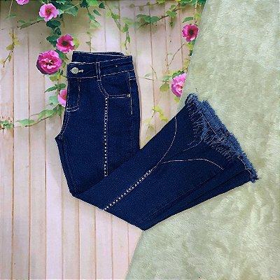 Calça infantil Petit Cherie jeans escuro flare com pérolas