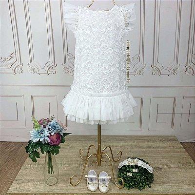 Vestido de bebê festa Petit Cherie batizado luxo renda com tule branco