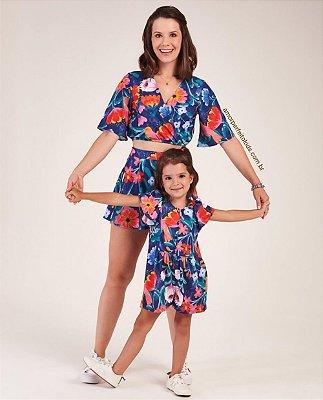 Conjunto adulto Mon Sucré tal mãe e tal filha cropped e short saia floral azul