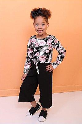 Macacão infantil Petit Cherie pantacourt floral rosa e preto