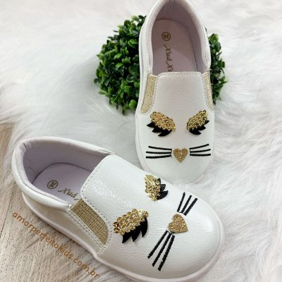 Tênis infantil branco em couro e verniz Xuá Xuá gatinho